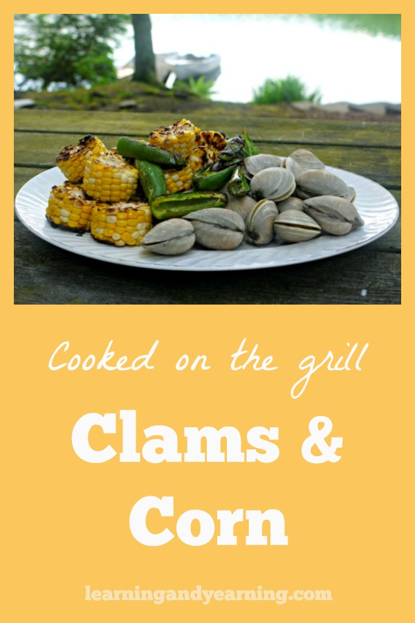 Are you looking for a really simple picnic meal that will impress your guests? Clams and corn on the grill will do the job!  #grilling #grillrecipes #corn #clams