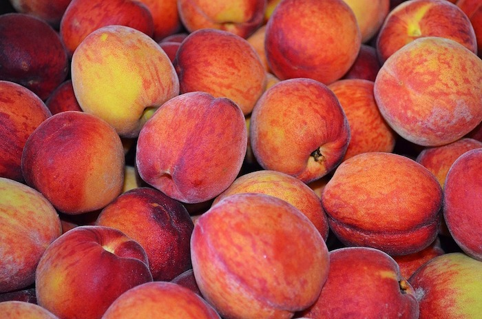 peaches for low sugar peach jam