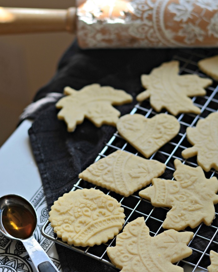 embossed maple syrup cookies